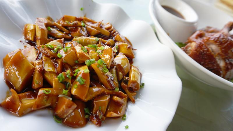 「油焖兰笋(Yóu mèn lán sǔn)」