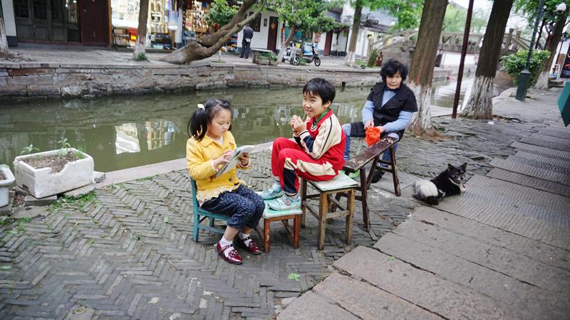 上海郊外の「朱家角(Zhūjiājiǎo)」での一コマ