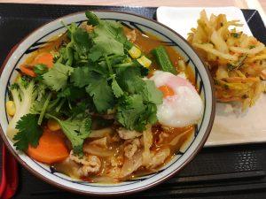 日式乌冬(Rì shì wū dōng:日本のうどん)の中国式食べ方