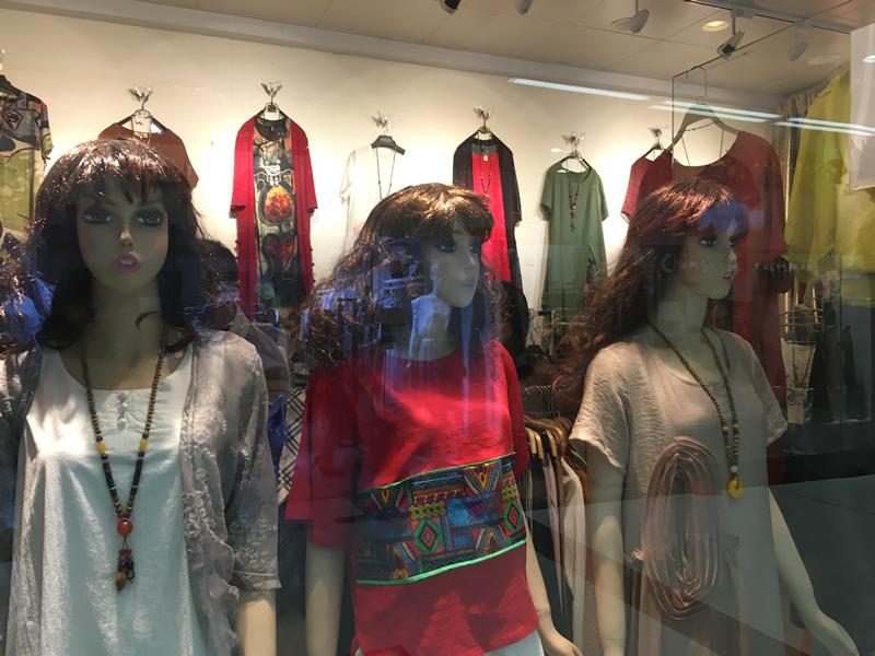 モデル三人娘