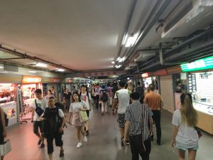 上海火车站(Shànghǎi huǒchē zhàn)の地下通路
